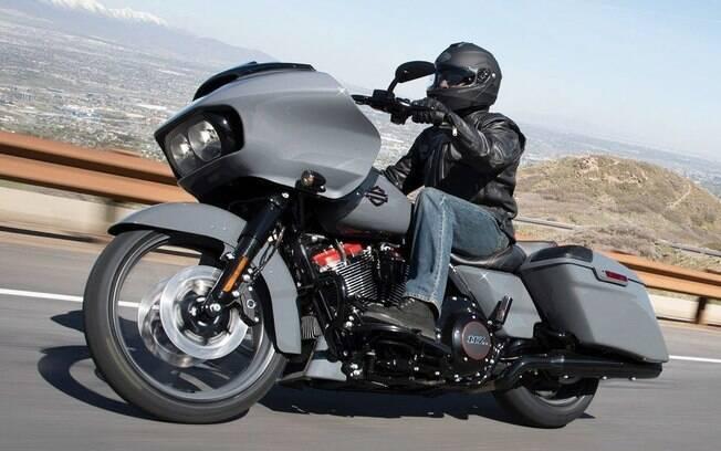 Harley-Davidson CVO Road Glide vem com rodas de 21 polegadas  e boa dose de sofisticação