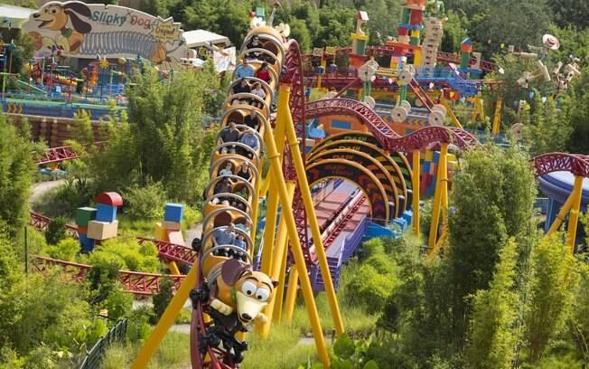 Slinky Dog Dash é mais uma das atrações da Disney que pertencem a Toy Story Land
