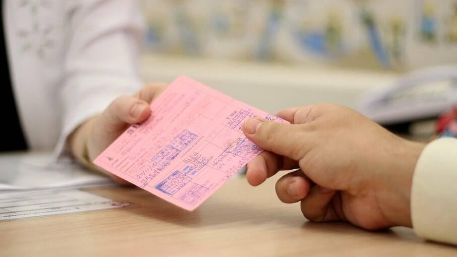 18 vacinas estarão disponíveis para o população colocar a carteirinha em ordem