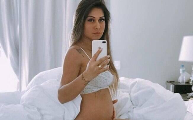 Mayra Cardi falou sobre pós-parto nas redes sociais