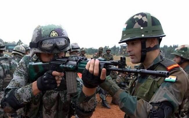 Mobilização acontece um mês depois de tropas chinesas e indianas terem entrado em conflito.