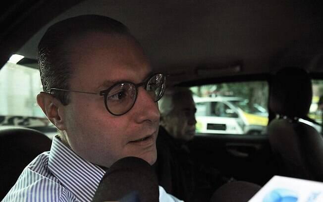 Cristiano Zanin disse que Lula está indignado com a situação, mas está bem e foi respeitado na sede da PF