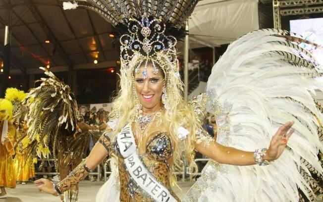Tatiane Minerato no desfile da Gaviões de 2011. Foto: Orlando Oliveira/AgNews
