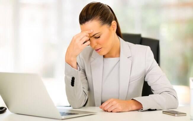 Caso uma solução amigável seja inviável, o empregado deve procurar um advogado para que se analise a viabilidade de ingressar com uma reclamação trabalhista