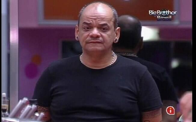 João Carvalho conta que tirou os pontos