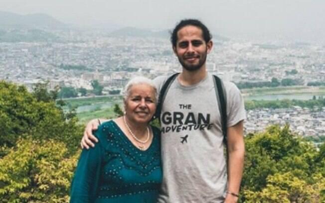 Em mochilão pela Ásia, Edna (à esquerda) e Nathanel (à direita) são um exemplo de relacionamento entre avó e neto