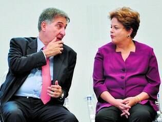 Camarada. Amigo desde adolescência da presidente. Pimentel foi ministro bastante próximo de Dilma