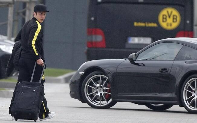 Mario Götze deixa o treinamento do Borussia  Dortmund. Nesta terça, ele acertou com o Bayern de  Munique