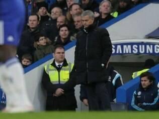 José Mourinho, técnico do Chelsea, foi surpreendido pelo Bradford City, da 3ª divisão inglesa