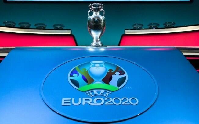 A UEFA realizou o sorteio dos grupos da eliminatória da Eurocopa 2020