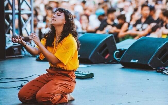 Priscilla Alcantara se apresenta no palco cristão da Sé