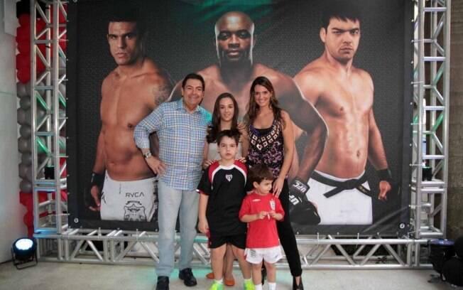 Faustão celebra o aniversário do filho João Guilherme em clima de UFC