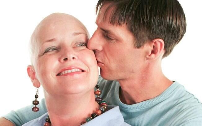 Eventual impedimento ao sexo durante a quimioterapia não significa impossibilidade de se buscar intimidade e trocar afeto