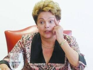 Equilíbrio. Após anunciar a nova equipe econômica com perfil considerado liberal por alas petistas, Dilma tenta agradar seu partido