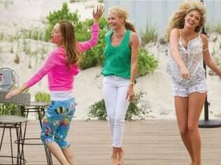 Carly (Cameron Diaz) se une a outras duas mulheres enganadas para se vingar do ex-namorado