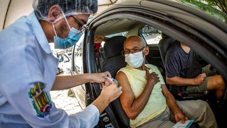 SP: Conselho de Enfermagem apura denúncias de fraude na vacinação