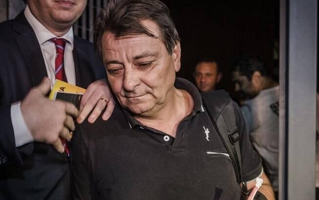 Vizinhos dizem que o ex-ativista italiano Cesare Battisti não é visto em Cananeia, onde vive em São Paulo, desde novembro