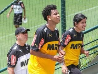Sherman Cárdenas tem o aval do técnico Levir Culpi para começar a partida