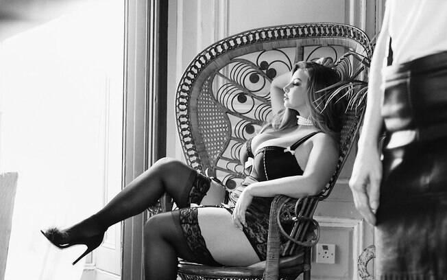 As 20 fotos mais sensuais da modelo plus size Ashley Alexiss que fizeram a temperatura subir