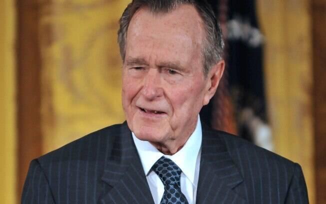 Ex-presidente dos EUA George H. W. Bush fala durante evento na Casa Branca em 7 de janeiro de 2009