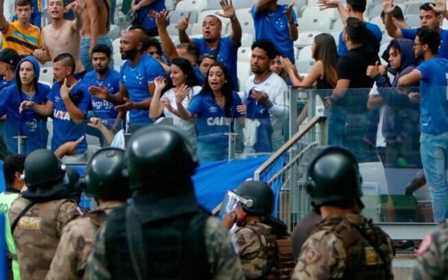Cruzeiro foi punido após confusão no clássico contra o Atlético-MG