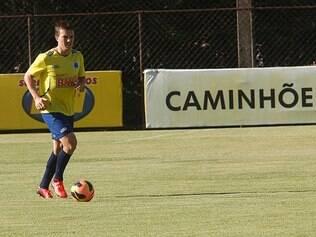 Dagoberto é uma das opções de Marcelo Oliveira para suprir ausências na equipe titular