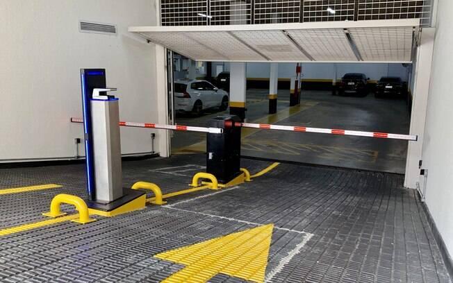 garagem com tecnologia de biometria sem contato