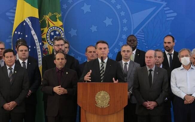 Bolsonaro com seus ministros