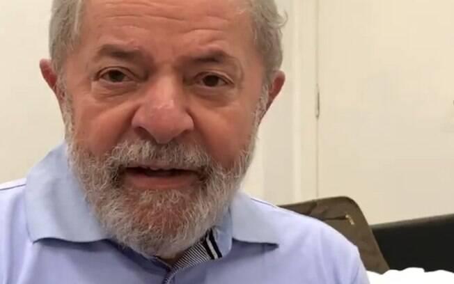 Ex-presidente Lula está preso desde o último sábado (7) por conta de condenação no caso tríplex da Lava Jato