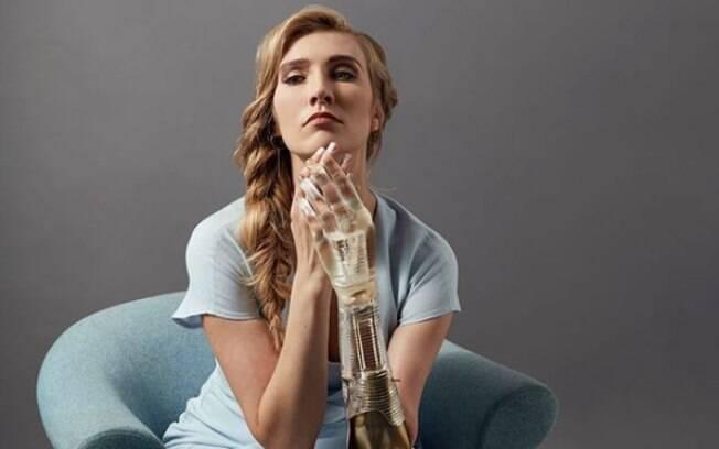 Kelly Knox nasceu com deficiência física e quer mostrar a importância de todos os corpos serem representados na mídia