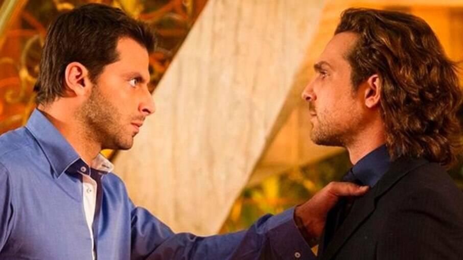 Cassiano avisa a Alberto que ele não pode ir em sua casa sem avisar