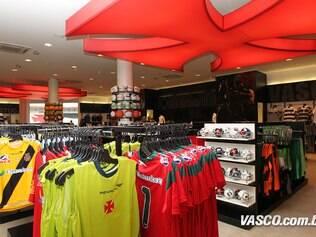 Vasco inaugura loja de mil metros quadrados em São Januário - Futebol - iG