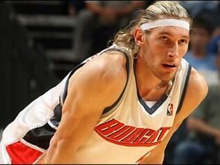 Walter Herrmann, de 35 anos, estava no argentino Atenas de Córdoba e também possui passagem pela NBA