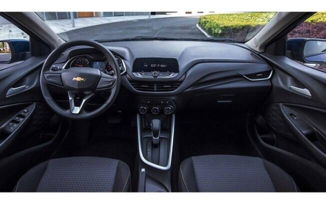 interior do Chevrolet Onix Sedan chinês dá pistas de como será o carro que chegará ao Brasil