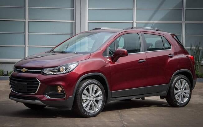 Chevrolet Tracker 2017 ganha mudanças no desenho, principalmente na frente com faróis mais finos