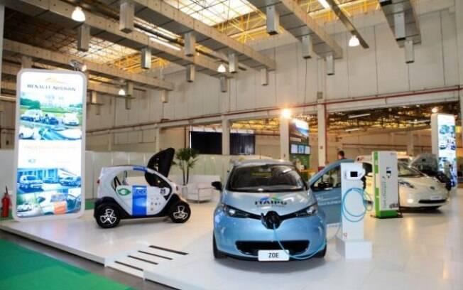 Estande da Renault-Nissan no Salão Latino-Americano de Veículos Elétricos