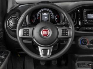 Fiat Uno Way 1.0  poderia ter comandos no volante mais intuitivos e mais ajustes da posição de dirigir de série