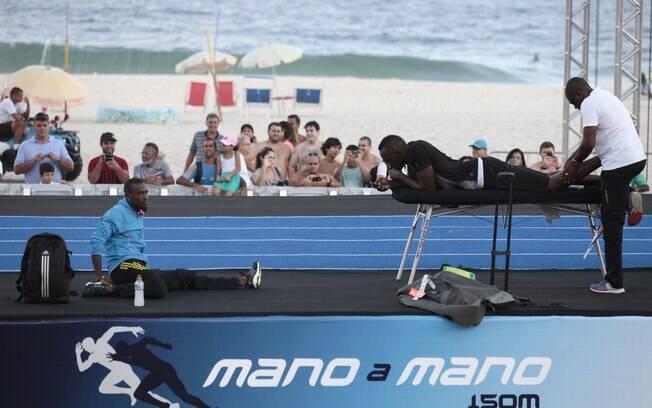 Bolt atraiu fãs em todos os momentos que  passou pelas areias cariocas