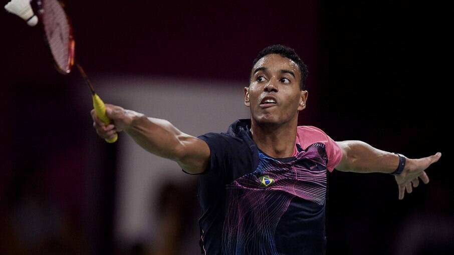Ygor Coelho consegue a primeira vitória do Brasil no Badminton Olímpico