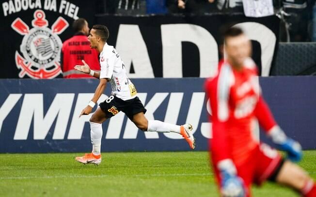 Pedrinho marcou o gol da vitória do Corinthians no clássico contra o São Paulo