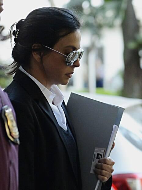 Esposa de Cabral, Adriana Ancelmo cumpre prisão domiciliar no Leblon