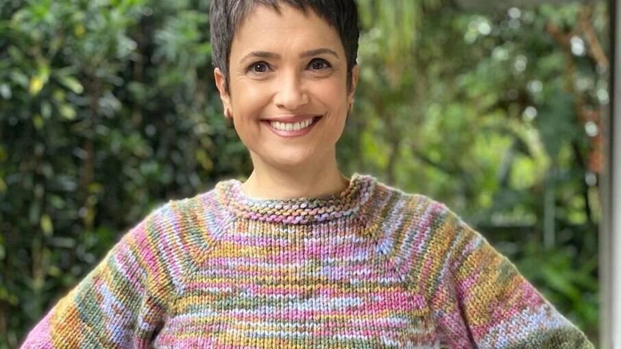 Sandra Annenberg disse que não pretende pintar os cabelos brancos