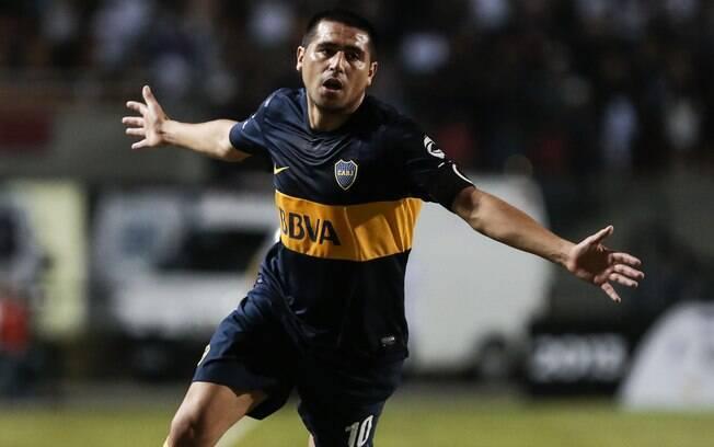 Riquelme comemora gol do Boca contra o  Corinthians