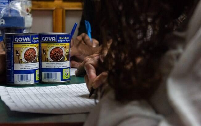 Forças de segurança da Venezuela teriam levado remédios e alimentos de ONG