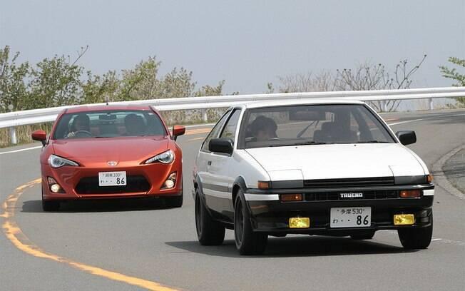 Quase lendário, o icônico Toyota Trueno AE86 serviu de inspiração para o GT86 até no uso do número