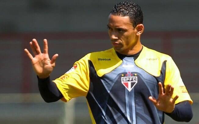 Ricardo Oliveira - Nas duas passagens pelo  São Paulo, fez muitos gols e teve que retornar  para Bétis e Al-Jazira