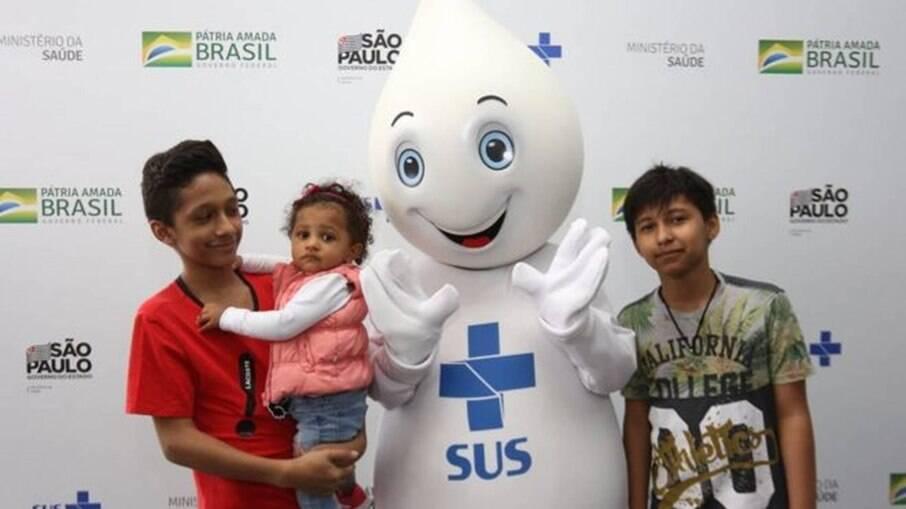 Zé Gotinha em campanha de vacinação