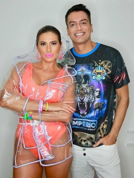 Léo Dias está morando com a amiga de trabalho, Lívia Andrade, há pouco tempo por conta de uma recaída com na luta contra as drogas