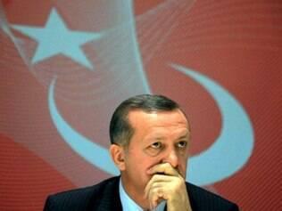 Recep Tayyip Erdogan afirmou que objetivo seria perseguir autores do ataque a posto de controle no sudeste da Turquia na sexta-feira, quando 17 soldados foram mortos
