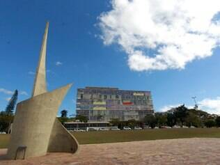 Cidades - Fachada reitoria UFMG Campus Pampulha em Belo Horizonte MG, e a segunda instituicao a enviar estudantes para o exterior , para participar do programa Ciencia sem Fronteiras . Foto: Alex de Jesus/O Tempo 21/08/2013